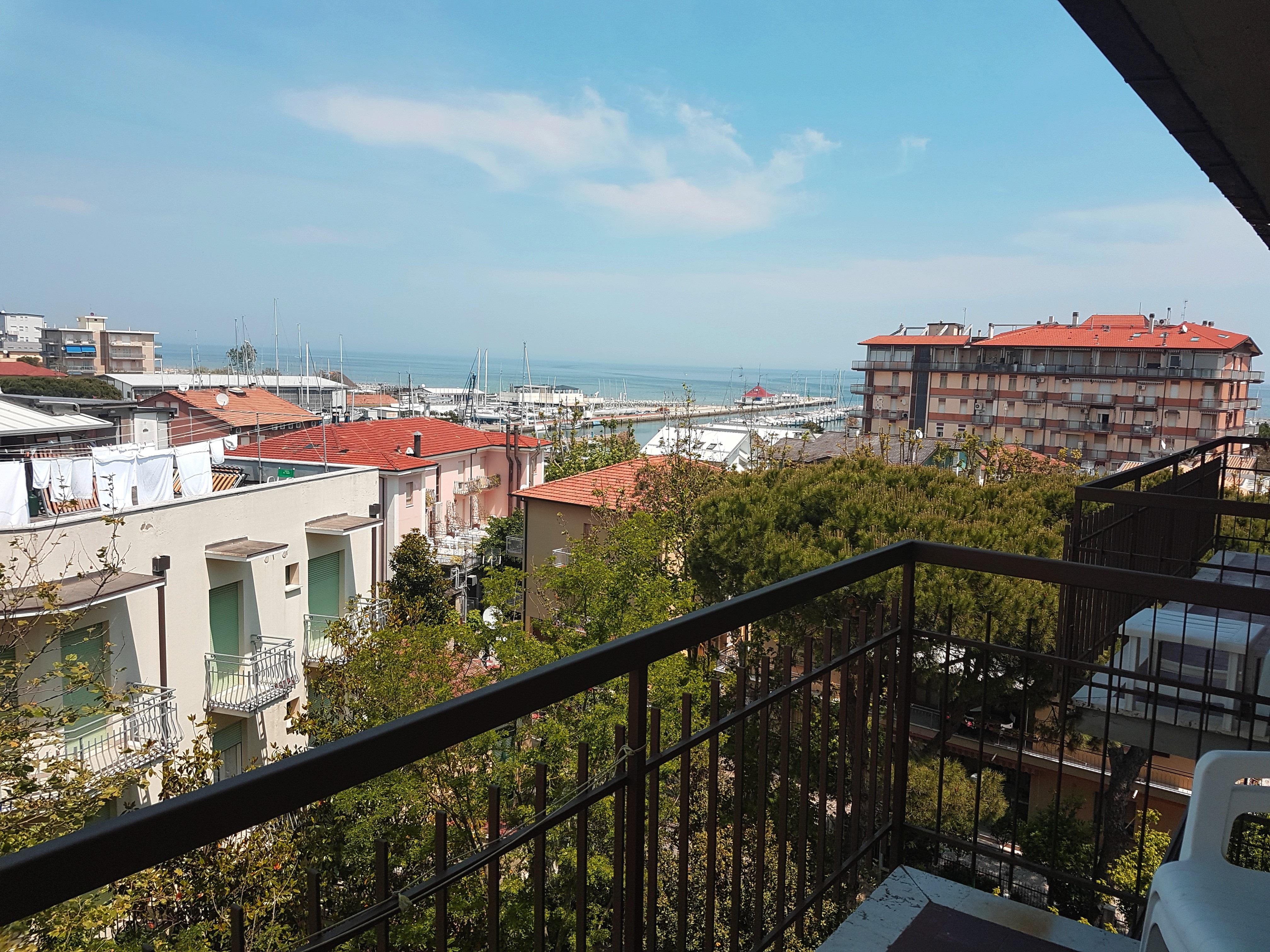 H. Rita - balcone